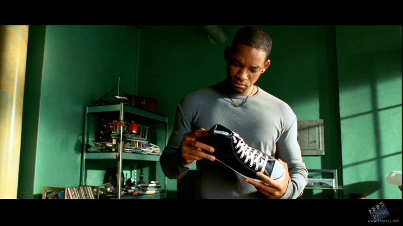 bde701a2e0bf Del Spooner (Will Smith) Autographed Converse All Stars Sneakers ...