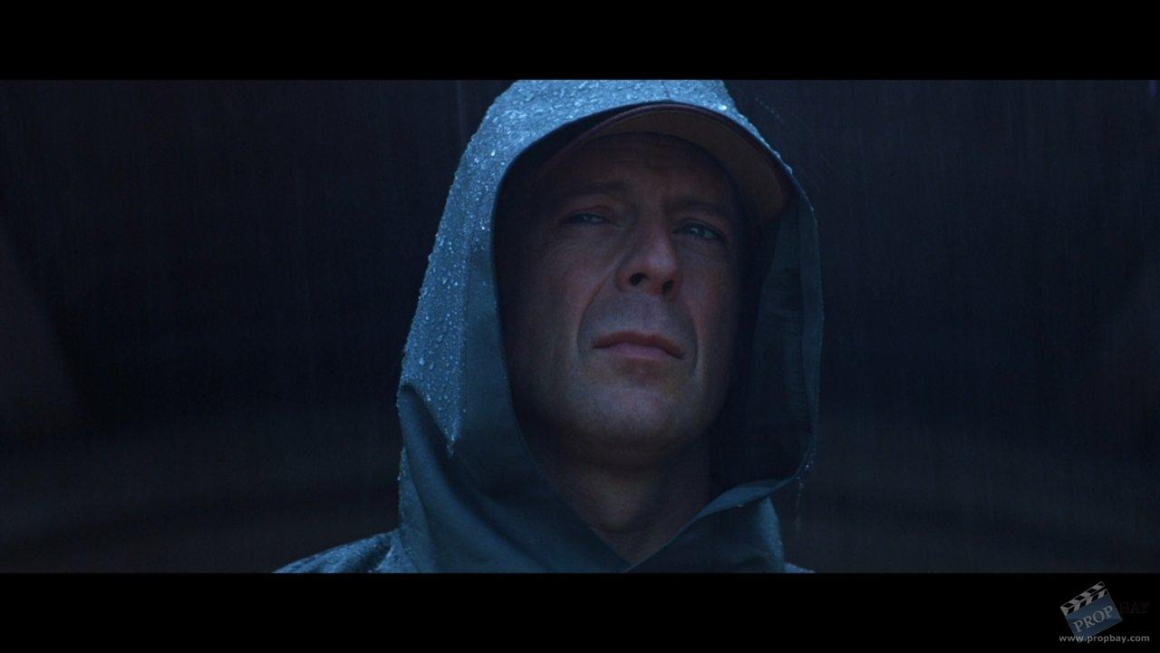 Bruce Willis Hero Cape Wardrobe from Unbreakable (2000 ... Bruce Willis Movies List