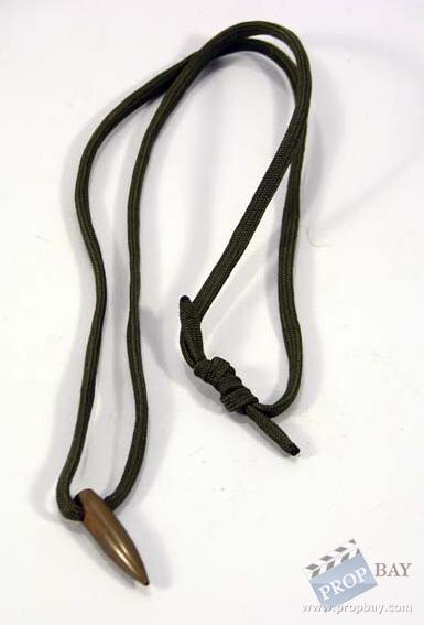hog s tooth necklace prop from shooter 2007